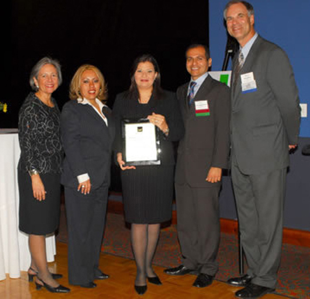 2007-true-entrepreneurial-and-community-spirit-of-an-outstanding-small-business-owner-award