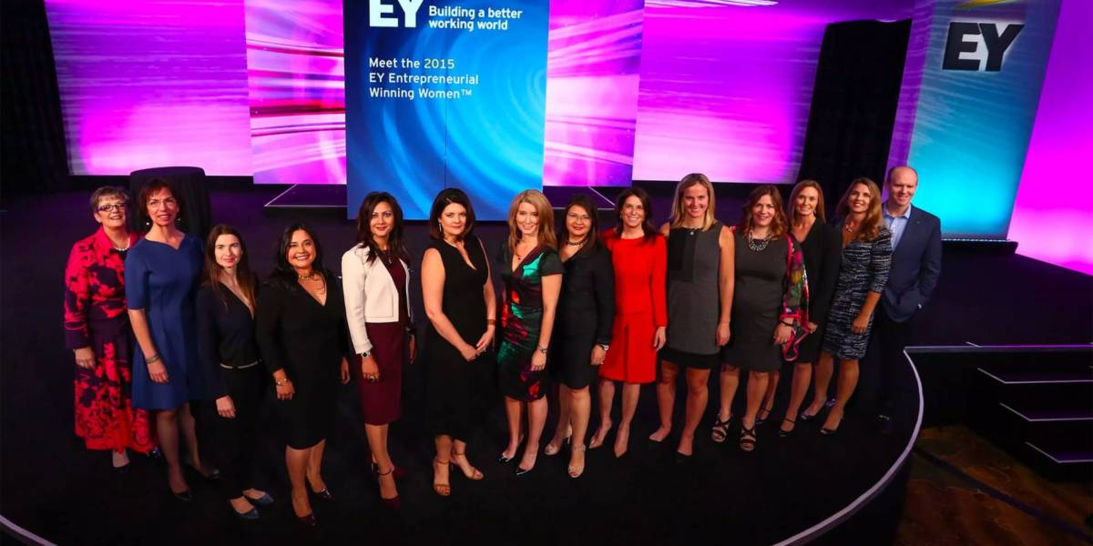 Claudia Mirza onstage with EY Entrepreneurial Women 2015 winners